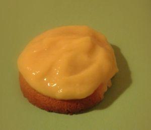 Condensed milk cookie with lemon curd